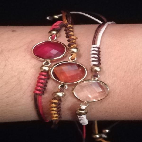 Decorative Multicolour Stone Thread Bracelet 0