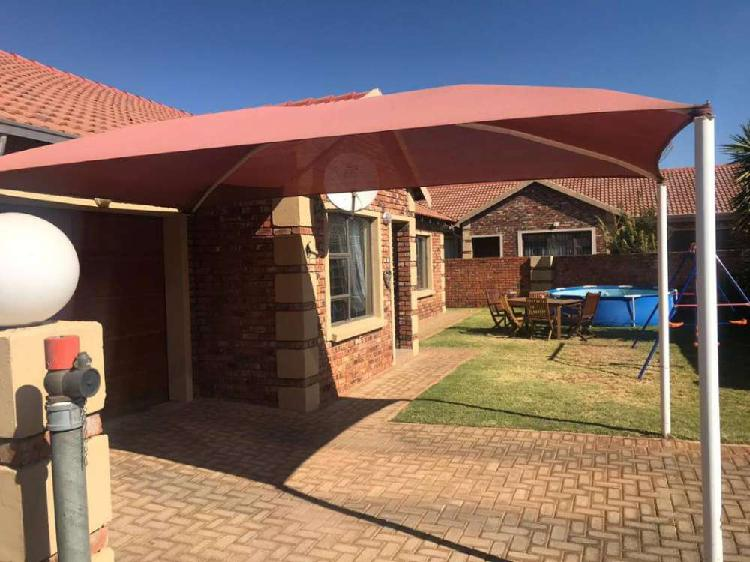 SPING SALES SPECIALS ON SHADE PORTS AND CARPORTS 0