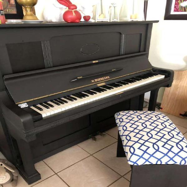 Upright Piano 0