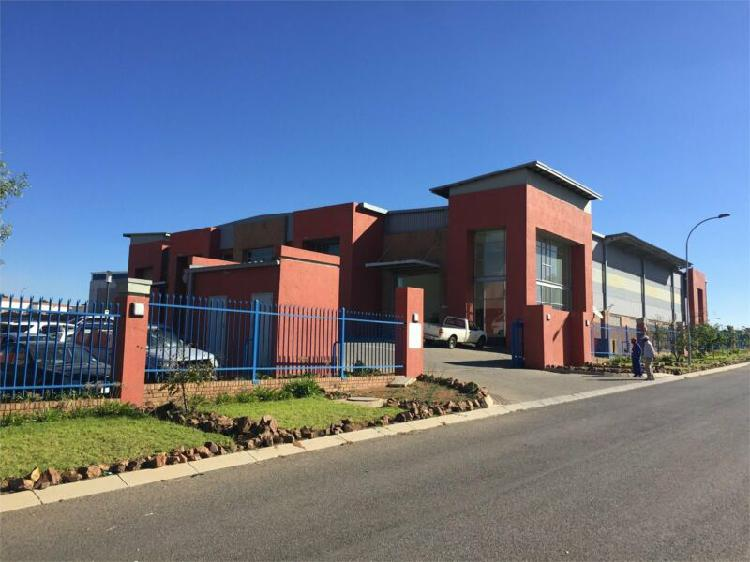 Upmarket warehouse / Retail outlet in Witbank 0