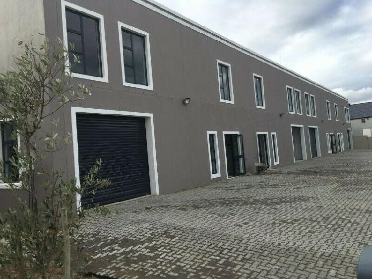 Warehouse and office in Paarl Zandwyk Park with 3-phase 0