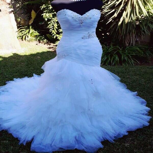 Wedding dress 0