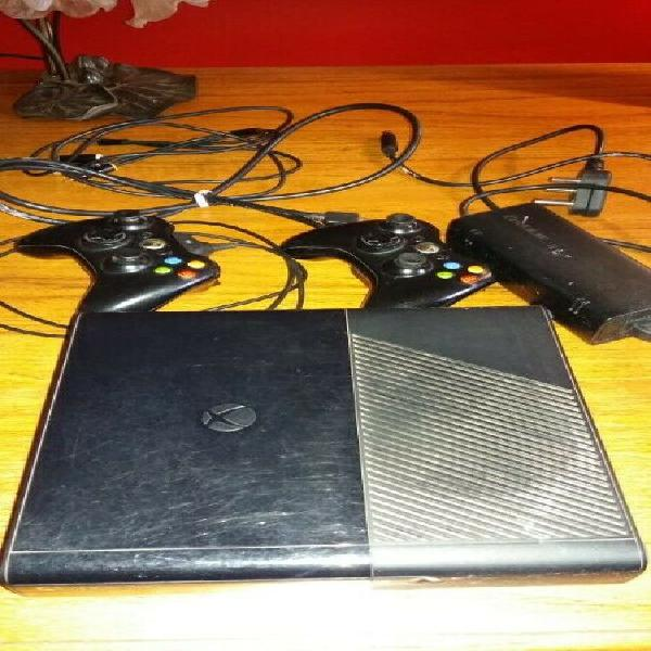 For Sale - Xbox 360, 2x controllers and games 0