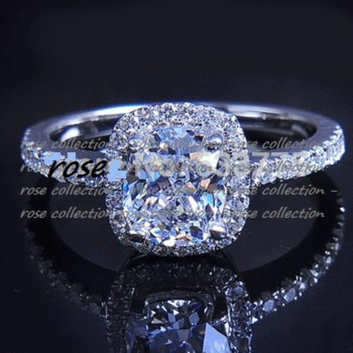 Spectacular! 2 carat simulated cushion cut diamond ring with