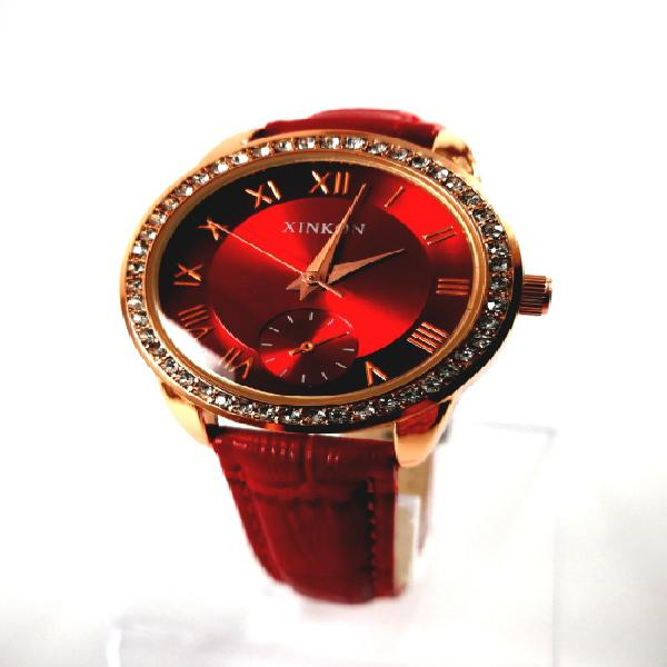 Fashion luxurious lady strep watch red