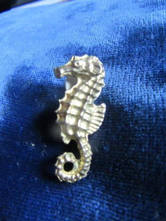 Sea horse lapel pin/ brooch gold tone