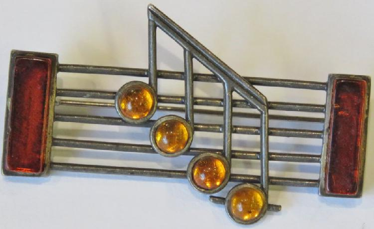 Vintage sterling silver musical brooch with amber - Weighs
