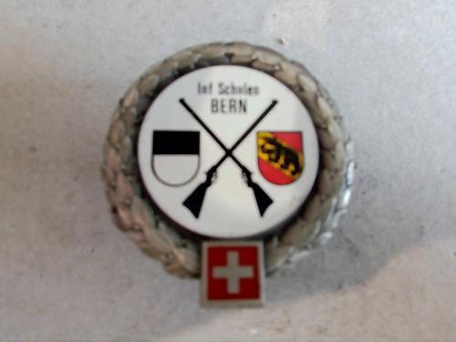 Swiss army infantry training school (schulen) beret badge,