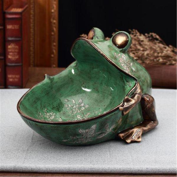 Vintage embossed frog storage box sculpture sundry container