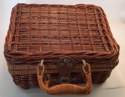 Childeren tea set in wicker basket with bear printed on