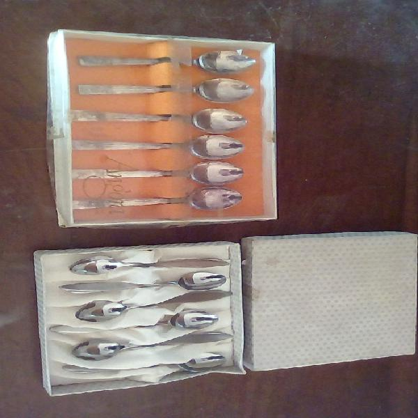 1 x vintage cased coffee spoons + 1 x vintage cased egg