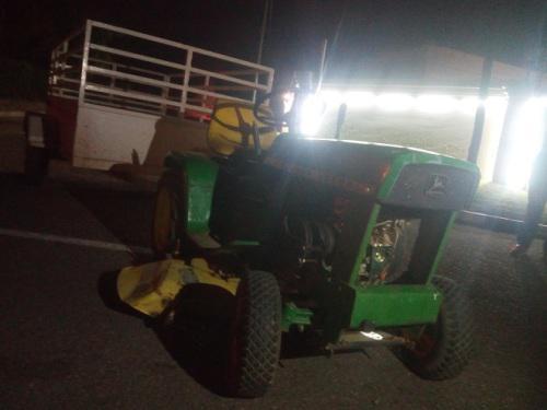 Tractor lawn mower. john deere tractor. golf cart