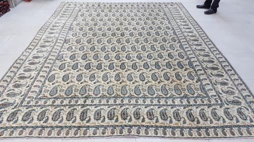 Persian cream kashan carpet 370cm x 280cm hand knotted