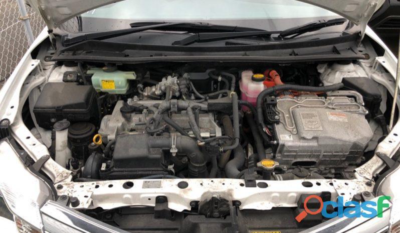 Toyota Corolla Fielder White 3