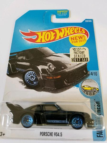 Hot wheels 2017 factory fresh porsche 934.5 320/365, black