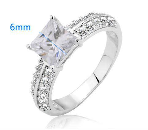 Silver plated cz stone ring, free ring box, size 7