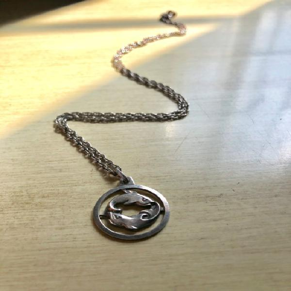 925 silver pisces pendant on.925 silver chain