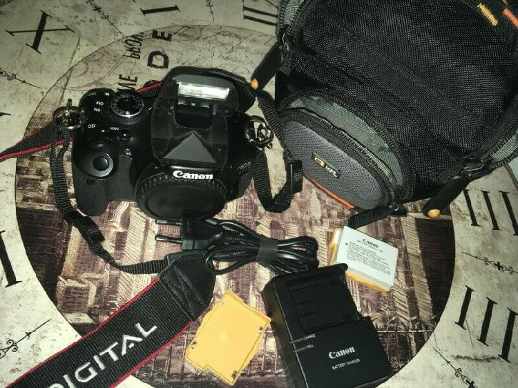 Canon 600d body with accessories