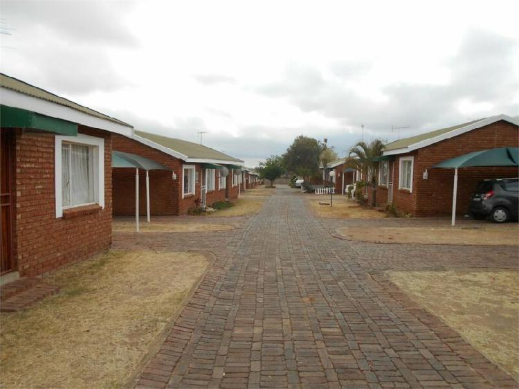 Flat to rent in bendor, polokwane.