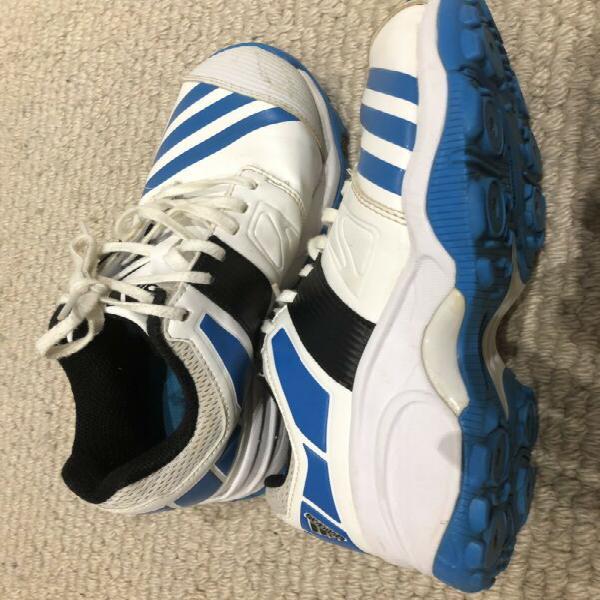 Adidas cricket shoes us9/uk8.5
