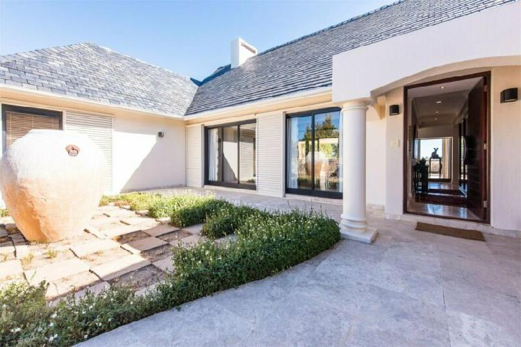 4 bedroom house for sale in pearl valley on val de vie