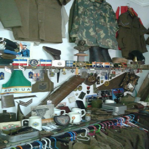 Army related items wanted for cash