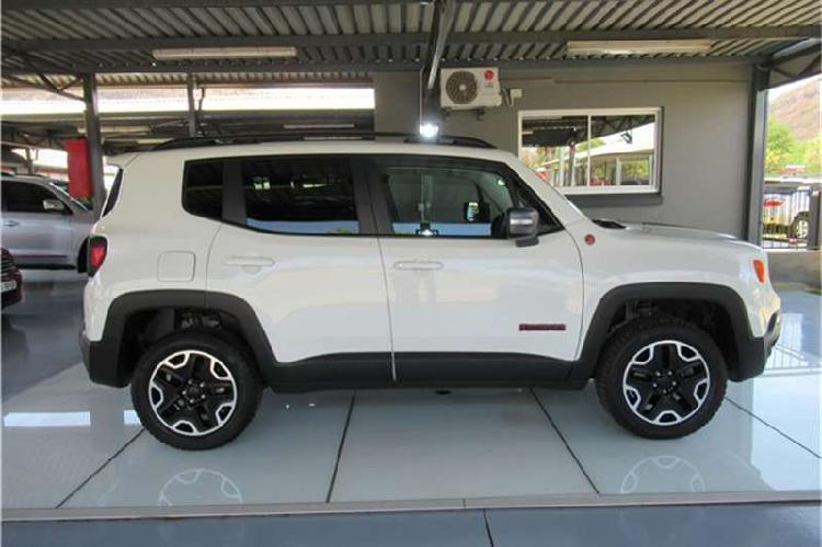 Jeep renegade 2.4l 4x4 trailhawk 2017