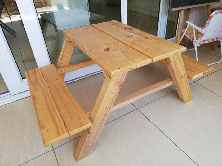 Kids picnic bench