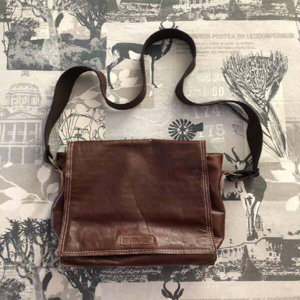 Pepper tree square flap bag