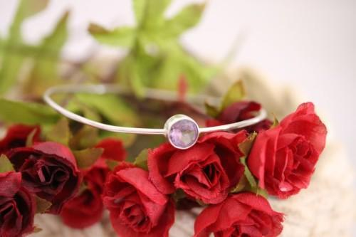 A stylish sterling silver ladies bracelet with a stunning