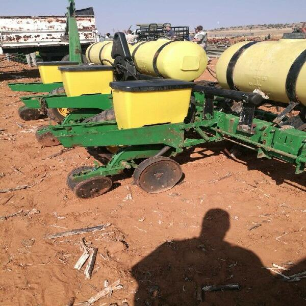 John deere 1750 3 ry 5 ft 1750vloeibaar vacuum planter.