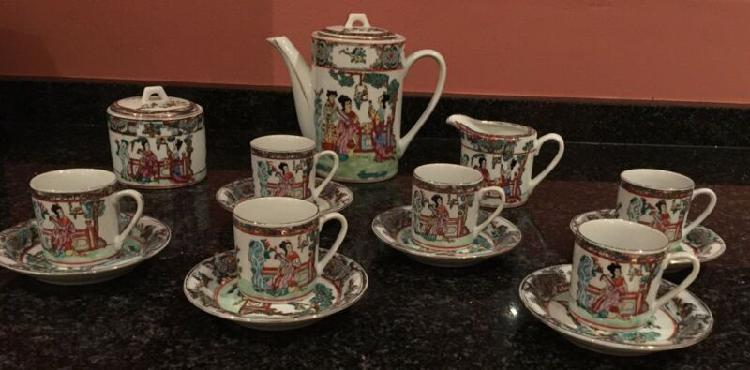 Chinese tea set - 17 piece - lotus blooms