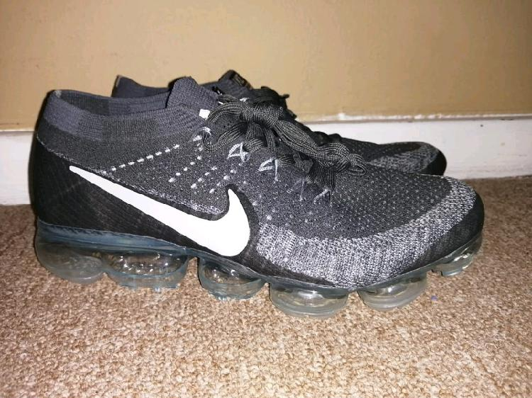 Black and grey nike vapormax size 9