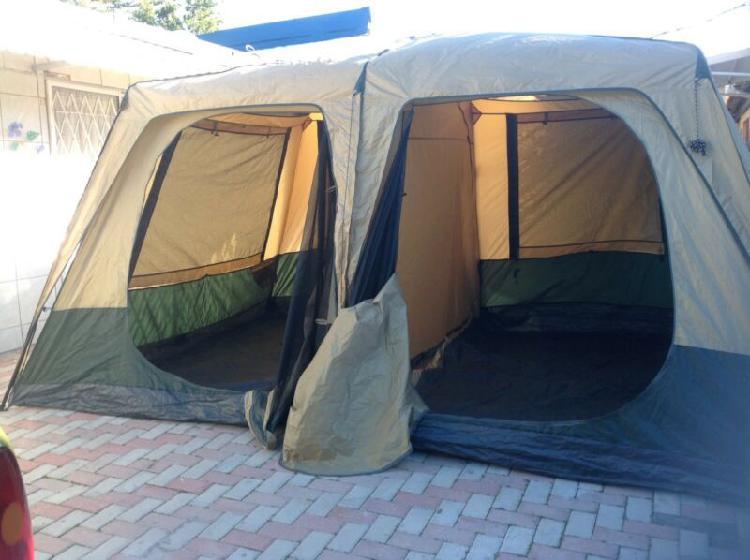 Oztrail fast frame cruise 10 man tent. r3000. 0714437462