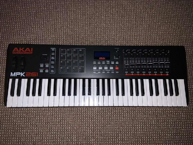 Akai mpk261 midi keyboard + stand