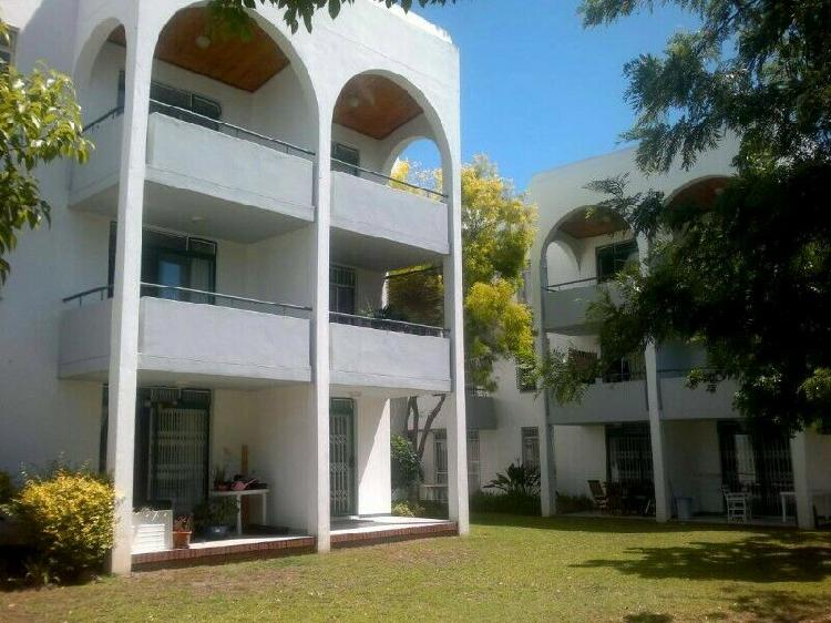 Accommodation on campus: looking for flatmate in 3-bedroom