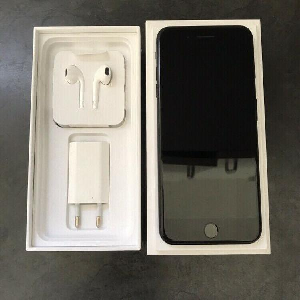 Iphone 7 plus, 32gb. matte black. immaculate condition!