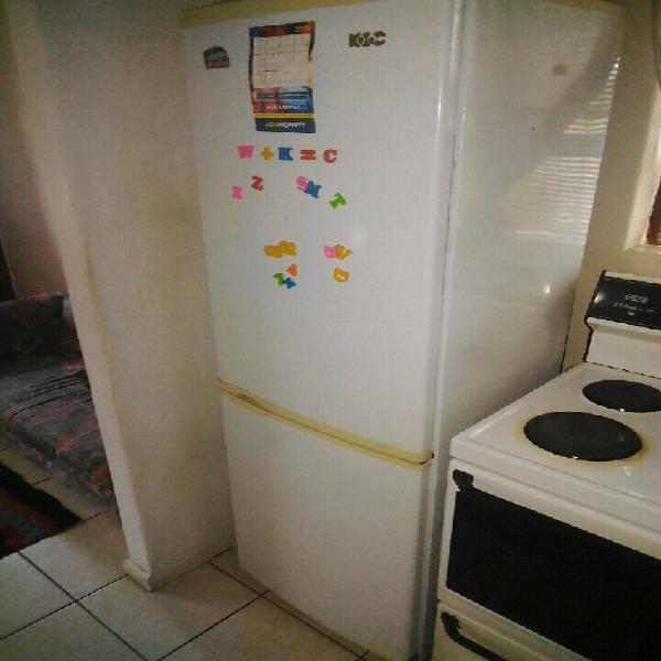 Kic big fridge&freezer 100%