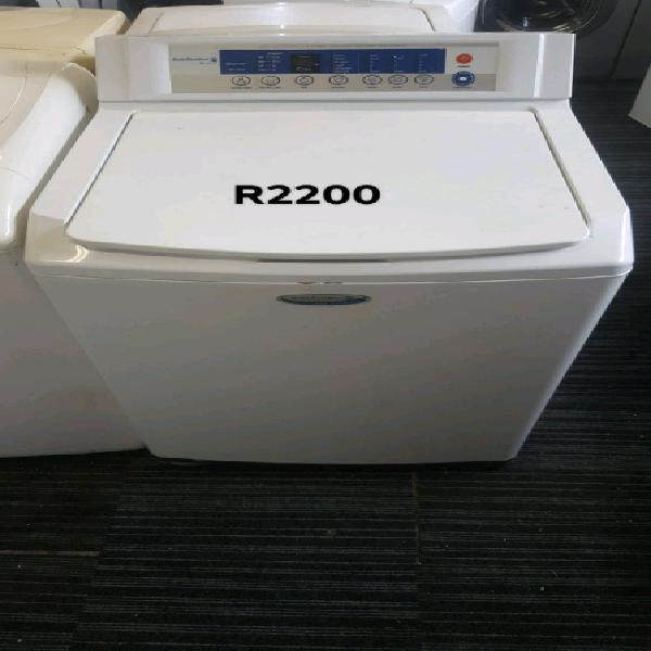 White kelvinator 15kg top loader washing machines