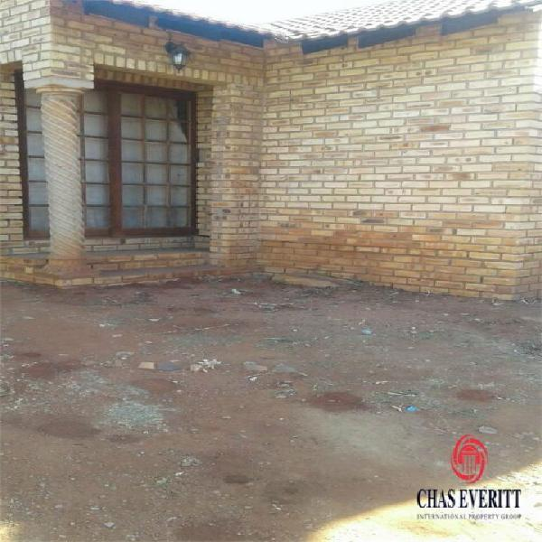 House in rustenburg now available