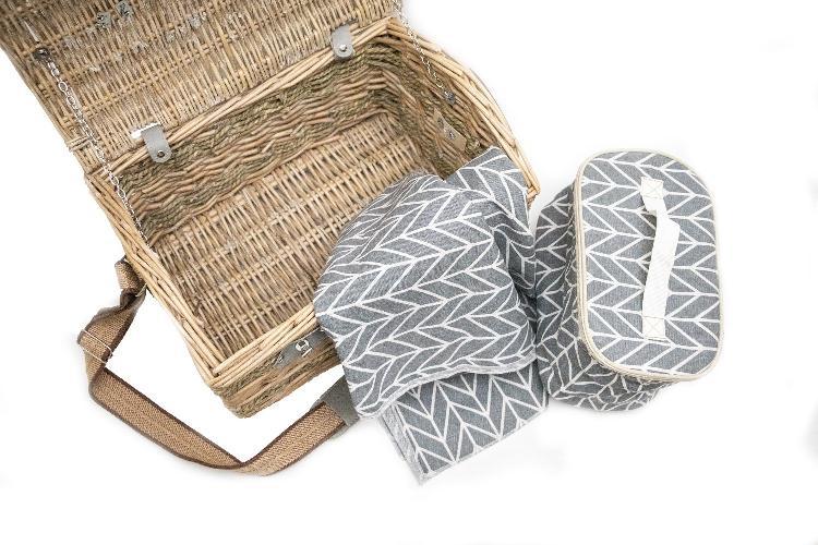 Yuppie gift baskets classic picnic basket