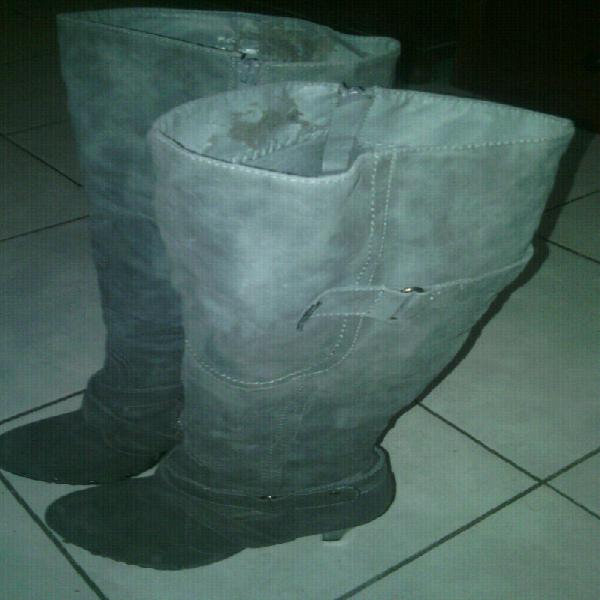 Long grey boots for sale (pig skin leather)