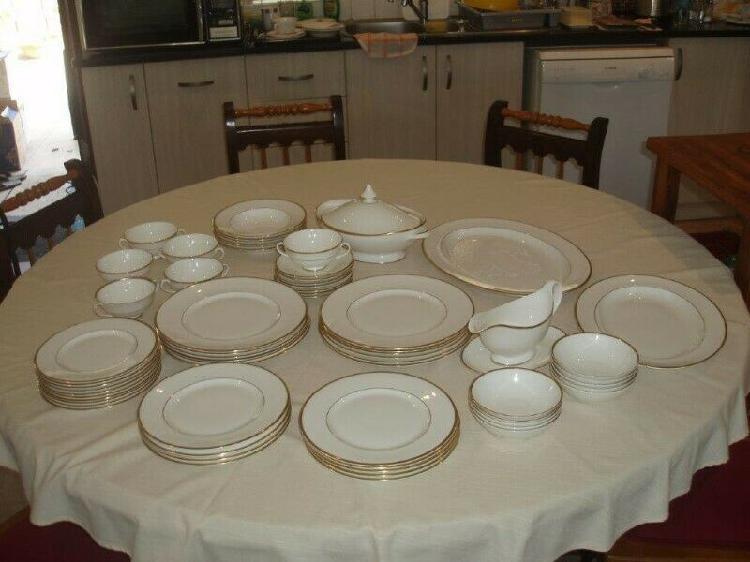 Royal doulton regent 76 piece fine bone china dinnerware