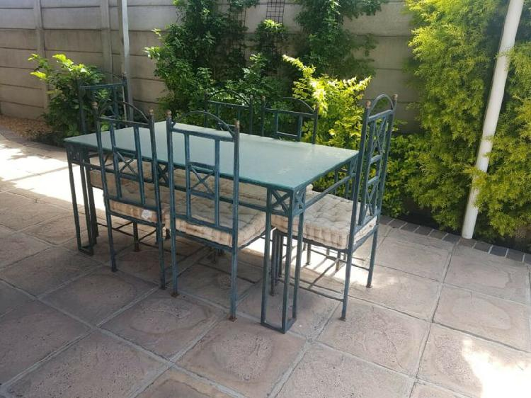 Table & 6 chairs (steel & glass)