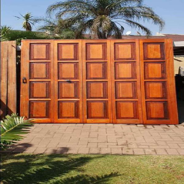 Maranti garage doors with motors