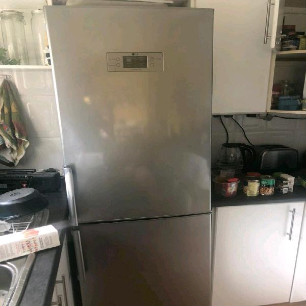 Silver lg fridge freezer....r2200