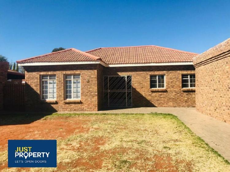Townhouse in kimberley now available
