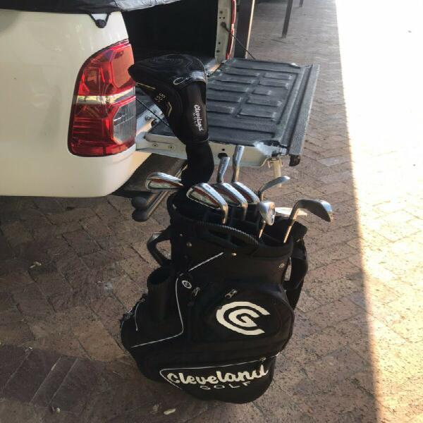 Cleveland complete golf set.clubs