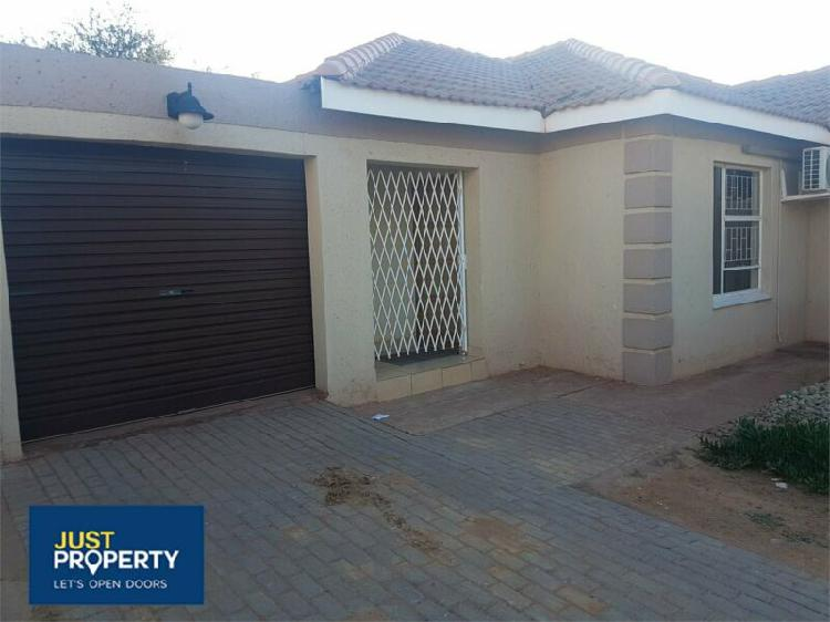 House in kathu now available