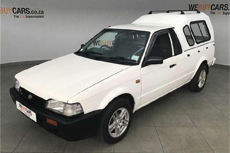 Mazda rustler 2000